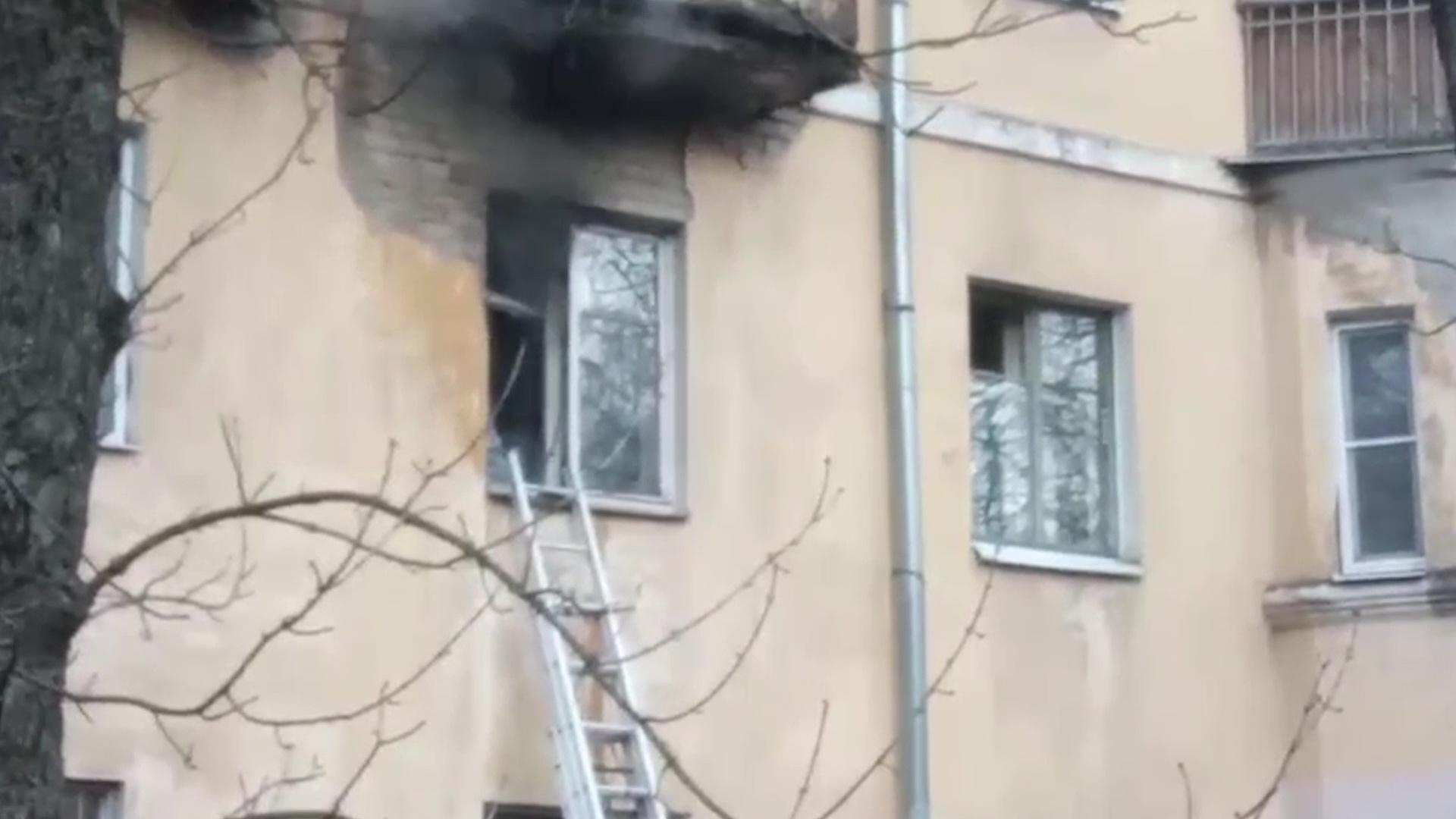 В Ярославле из-за пожара эвакуировали многоквартирный дом