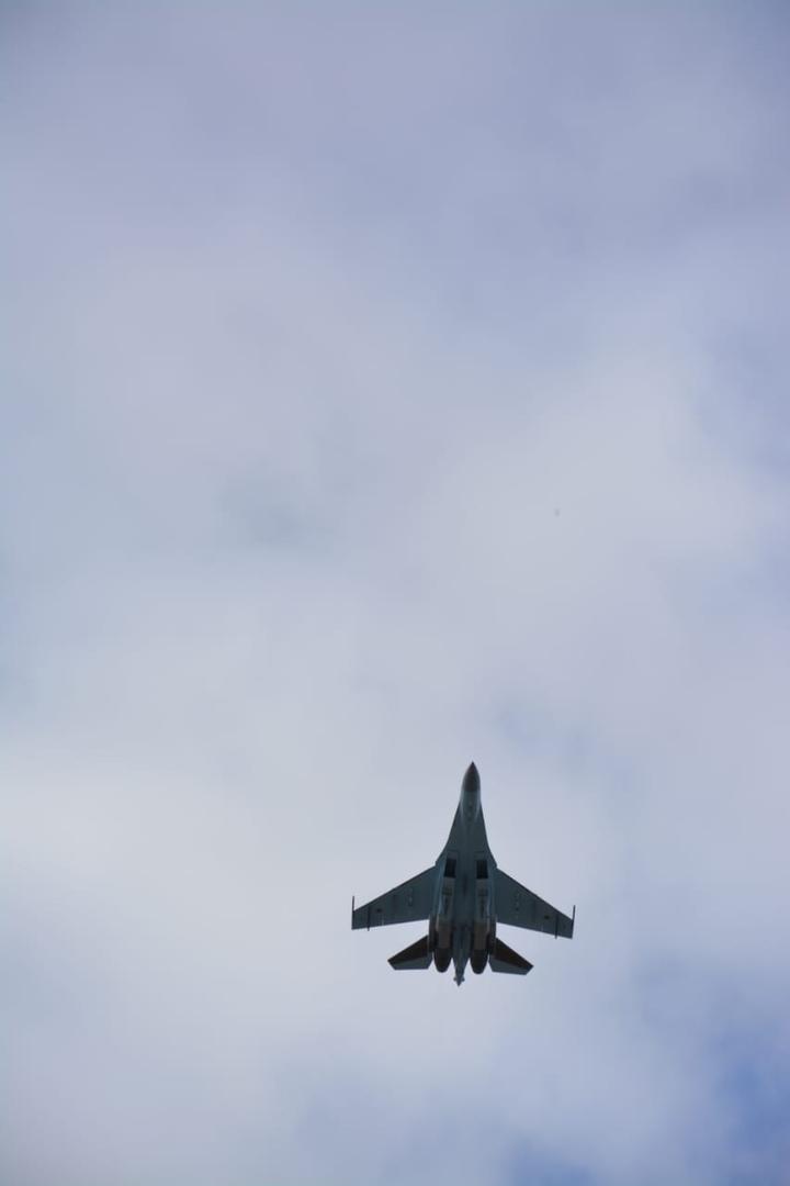 День Победы: Над Ярославлем пролетели военные самолеты
