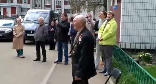 «Фронтовые бригады» в День Победы поздравляют ветеранов по всей области