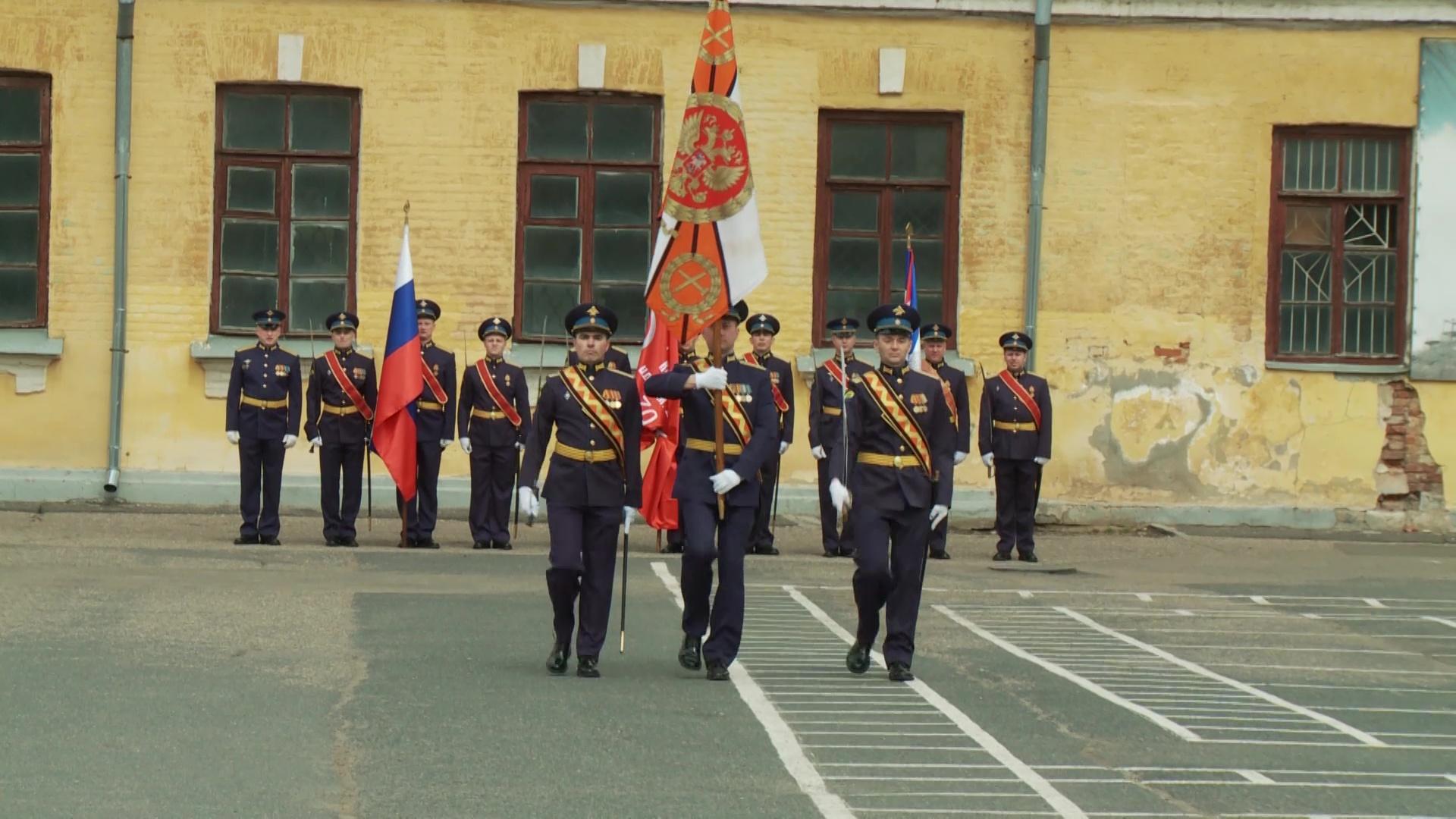Из стен ярославского училища противовоздушной обороны выпустились более 400 офицеров