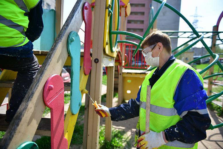 Ярославские детские площадки готовят к лету