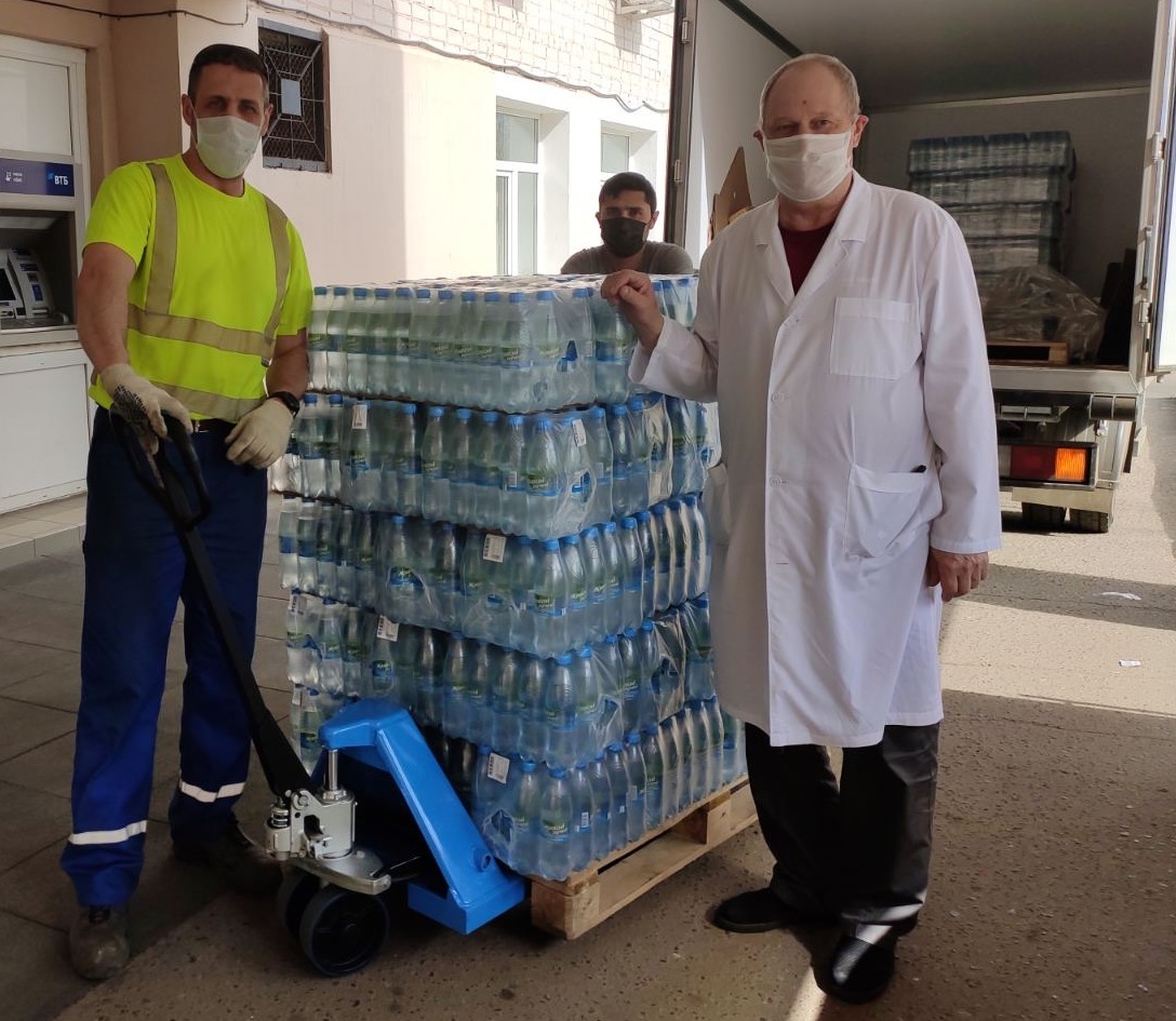 «Пивзавод «Ярпиво»передал 27 тысяч бутылок питьевой воды в больницы Ярославля и Ярославской области