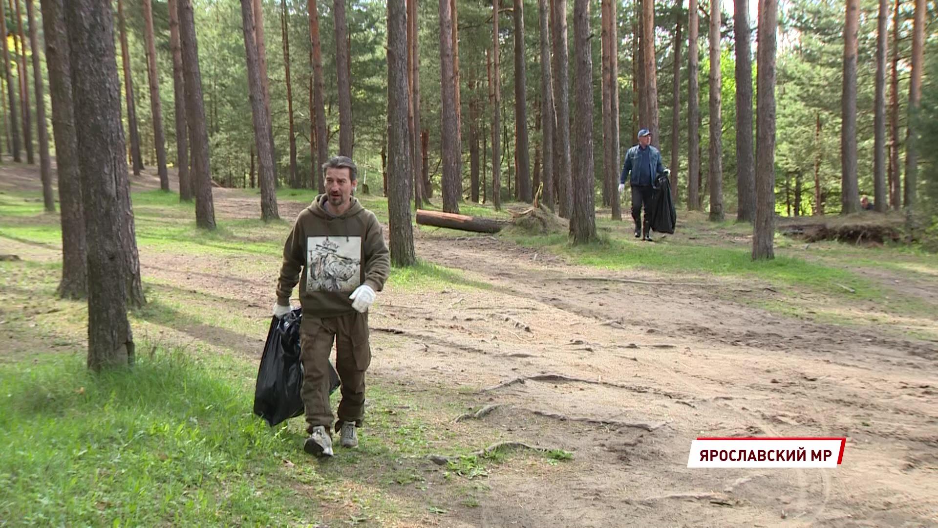 На Прусовских карьерах прошла генеральная уборка в рамках экологической акции
