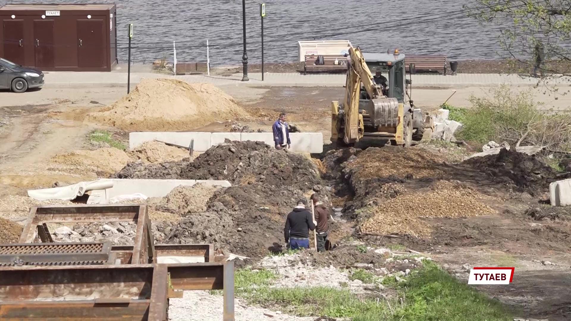 В Тутаеве ремонтируют дворы по нацпроекту и губернаторскому проекту «Решаем вместе»