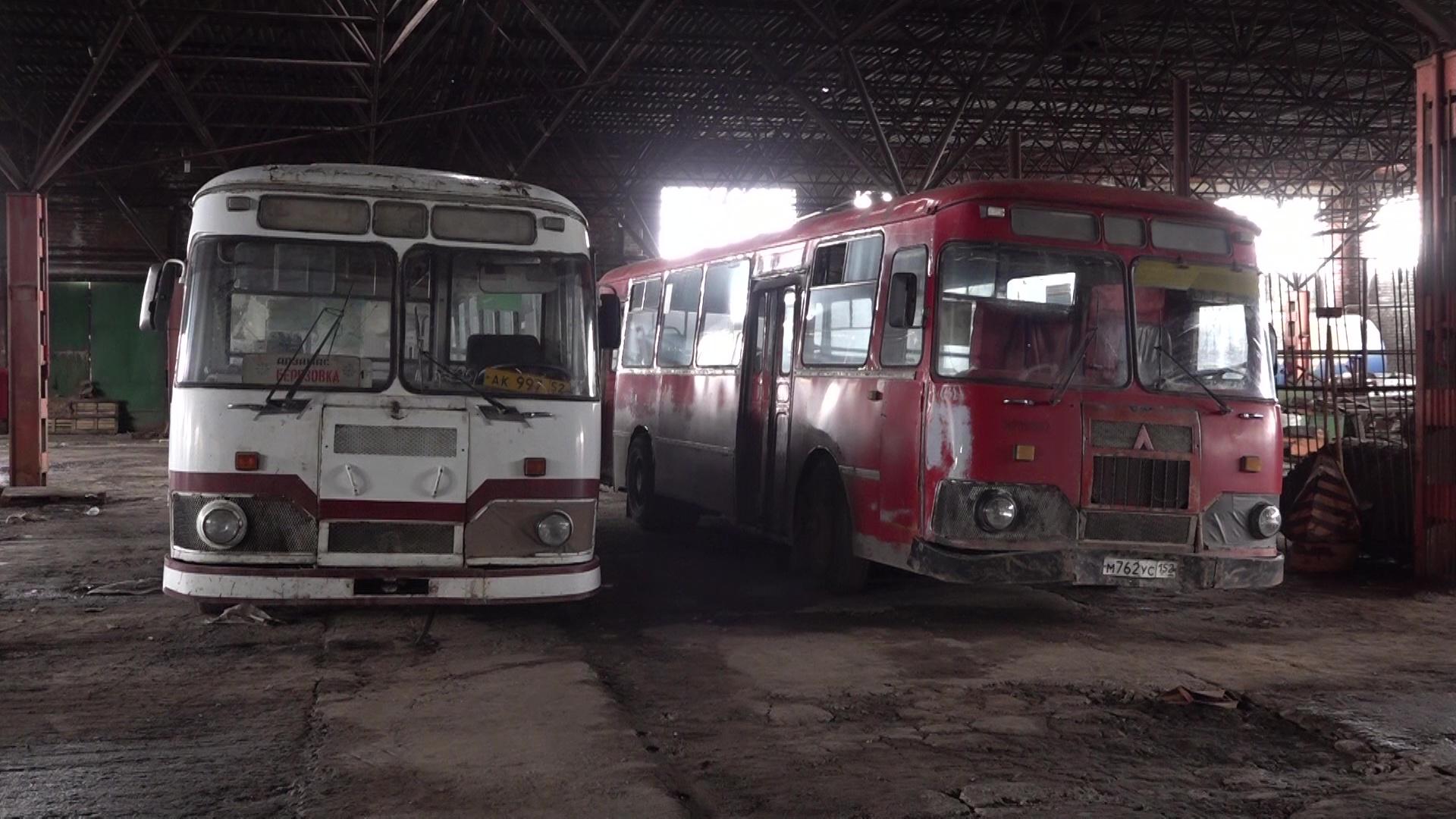 По бумагам – металлолом, на деле – машина времени: в Ярославль прибыли два ретро-автобуса