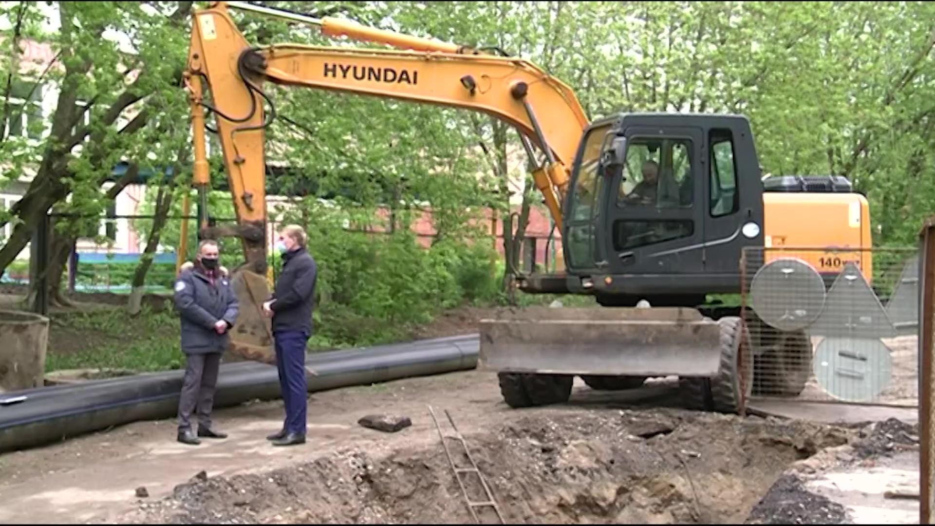 В Ярославле меняют коммунальные сети перед ремонтом дорог