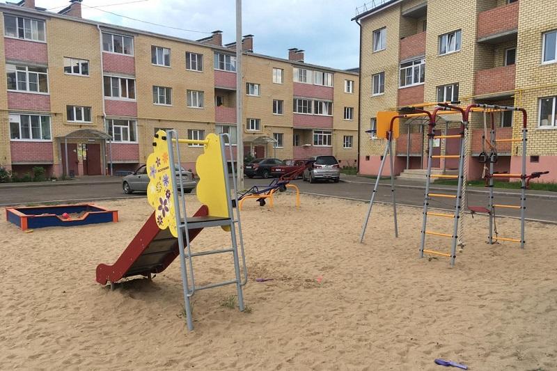 Дети-сироты получили 58 квартир в Ярославской области