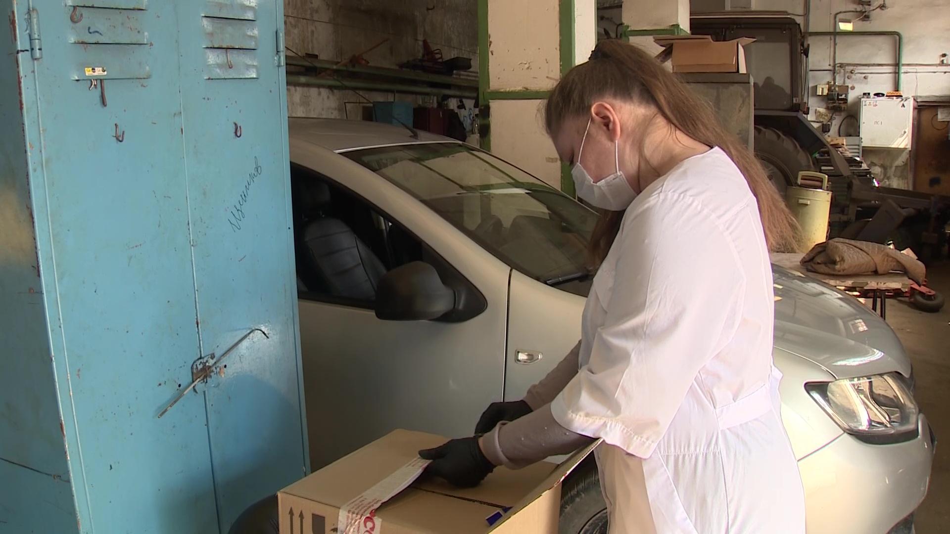 Промышленники приобрели для медиков, работающих с ковид-19, более двух тысяч защитных очков