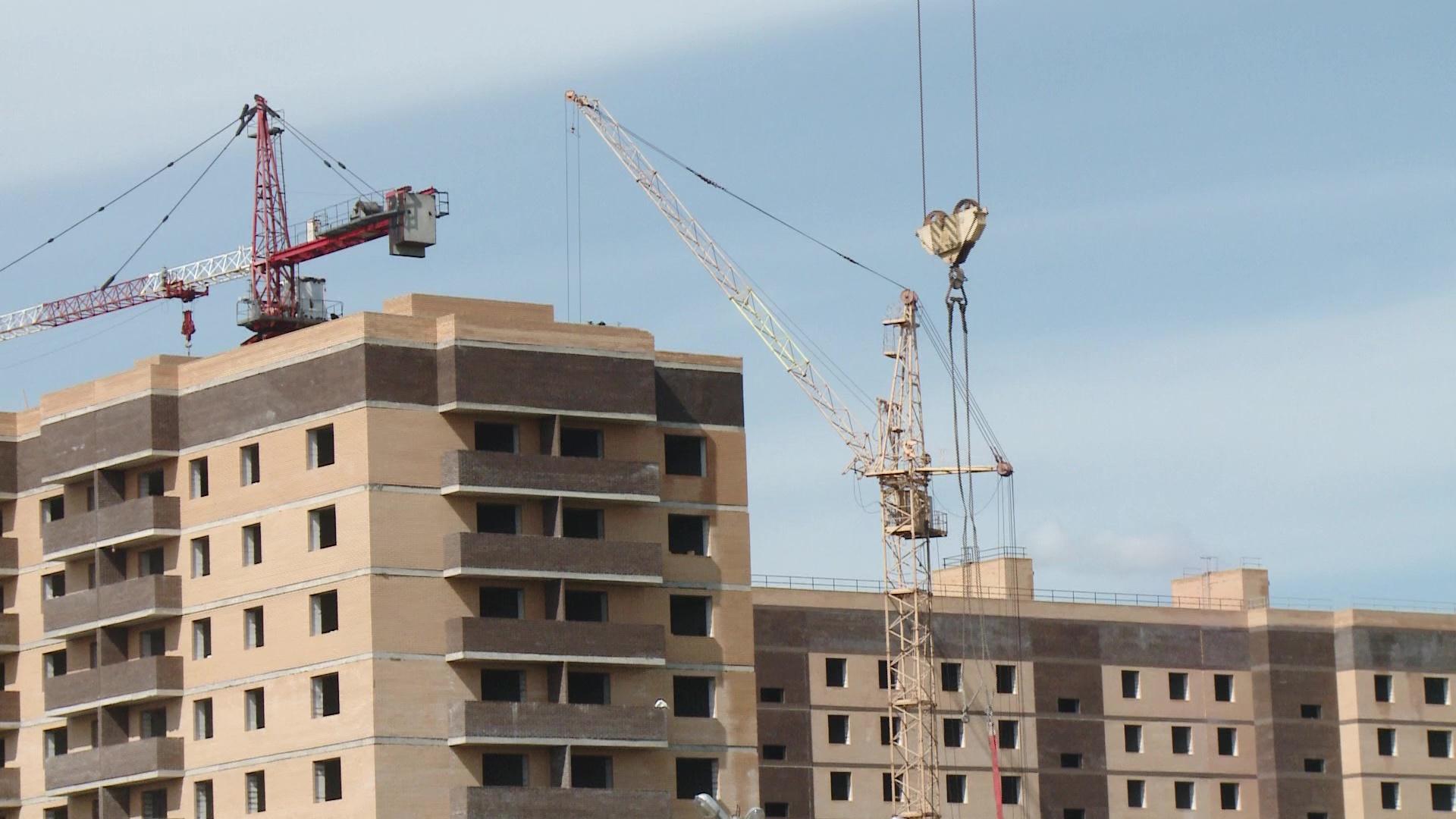 Почти две тысячи обманутых дольщиков в этом году могут получить долгожданное жилье
