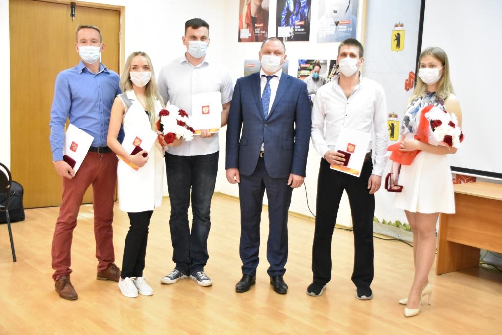 Ярославские волонтеры награждены медалями за вклад в организацию общероссийской акции взаимопомощи «#МыВместе»