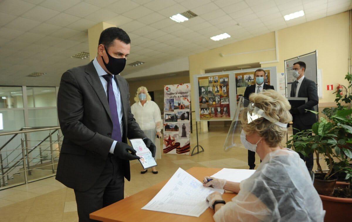"""Дмитрий Миронов: """"Проголосовал за сильное государство, которое несет ответственность за своих граждан"""""""