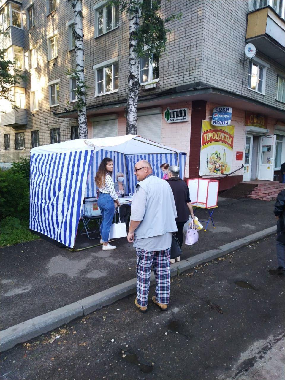 В Роспотребнадзоре голосование на улице назвали безопасным