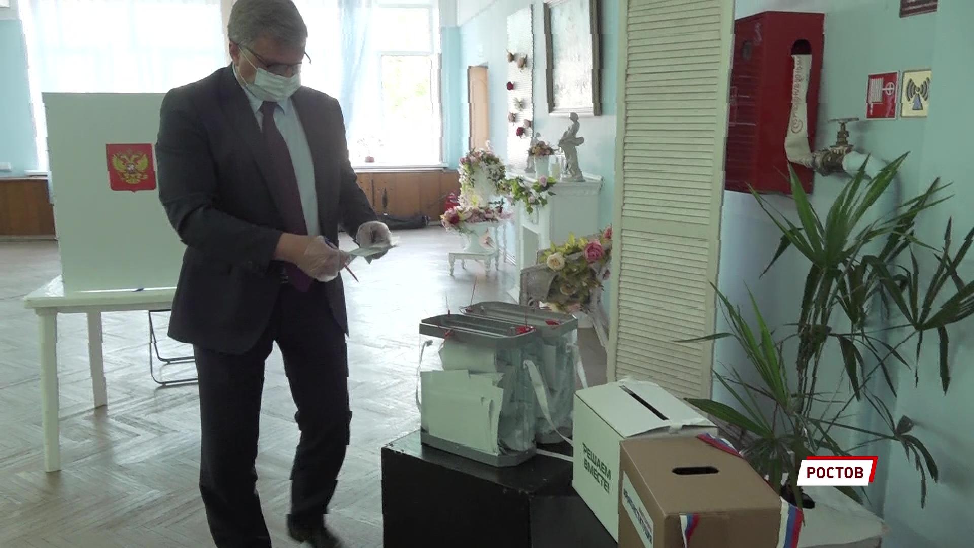 Председатель облдумы Алексей Константинов присоединился к голосованию по поправкам