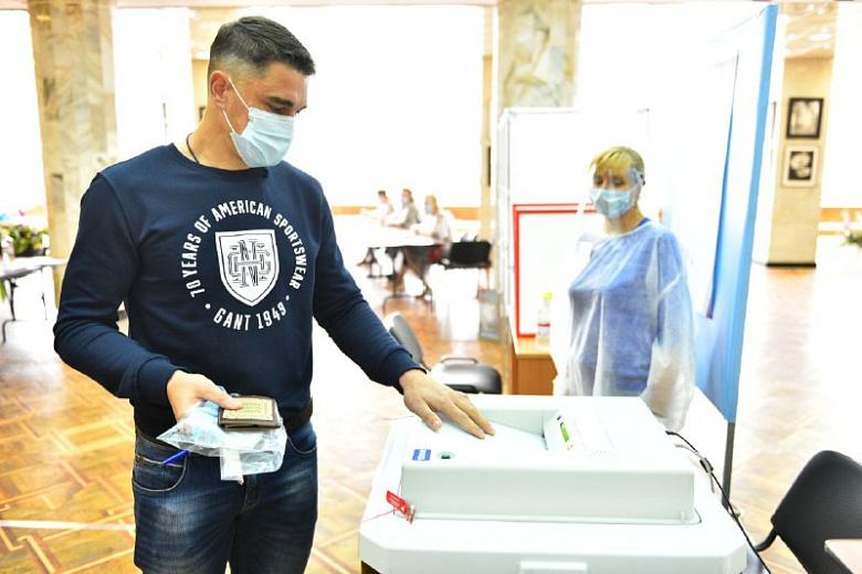 """Вратарь """"Шинника"""" Дмитрий Яшин проголосовал по поправкам в Конституцию"""