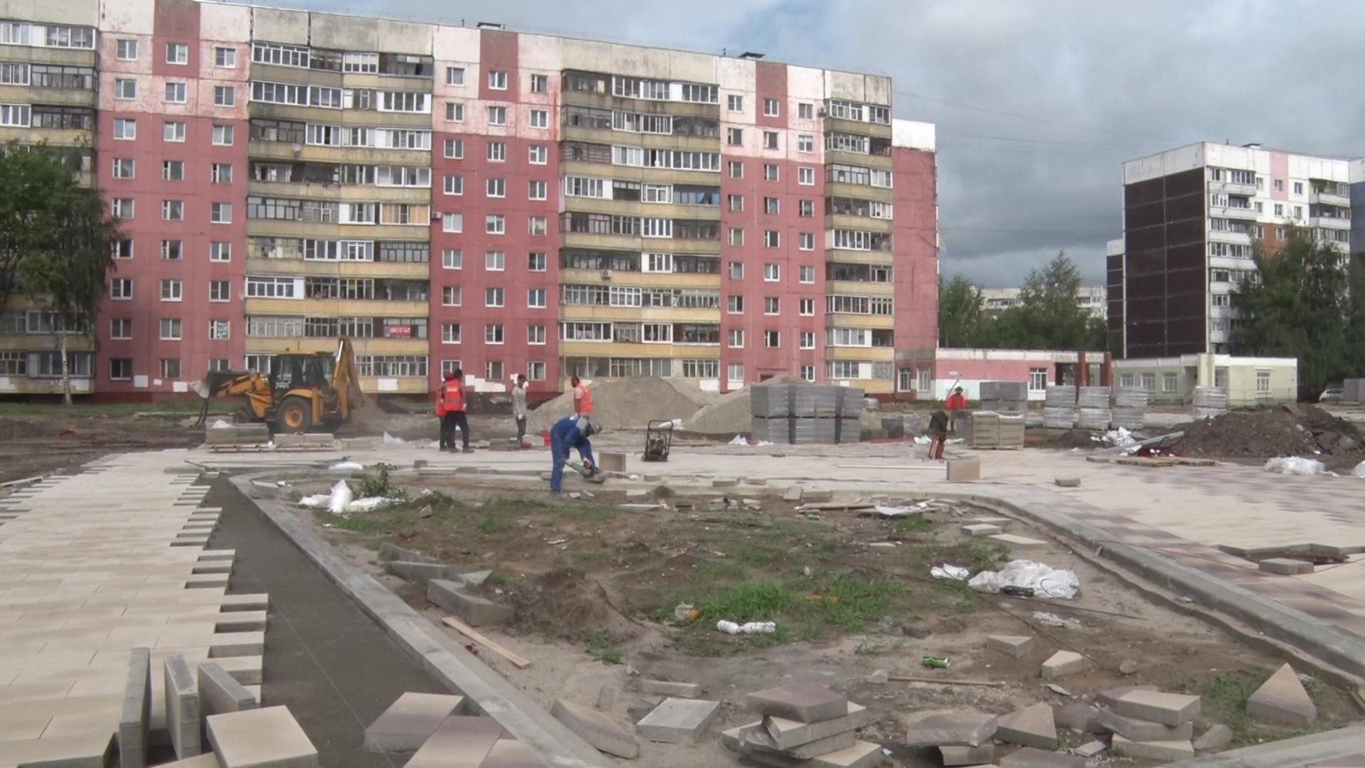 В Заволжском районе продолжают строить сквер по программе «Решаем вместе!»