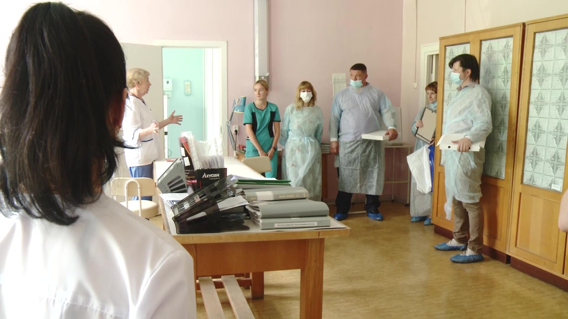 Волонтеры еще раз поблагодарили медиков за работу в пандемию коронавируса