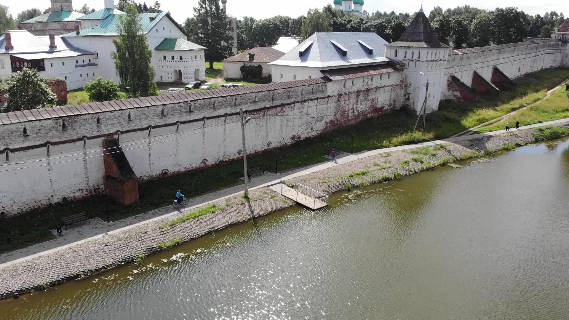 В Борисоглебском благоустраивают дворы и сквер по нацпроекту «Жилье и городская среда»
