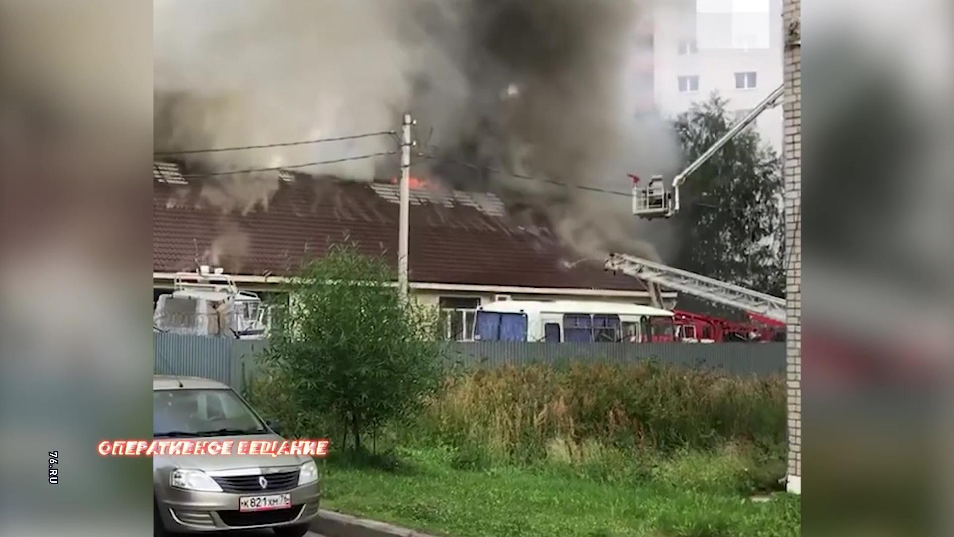 Пожар уничтожил здание следователей транспортной полиции на улице Ухтомского: все подробности происшествия
