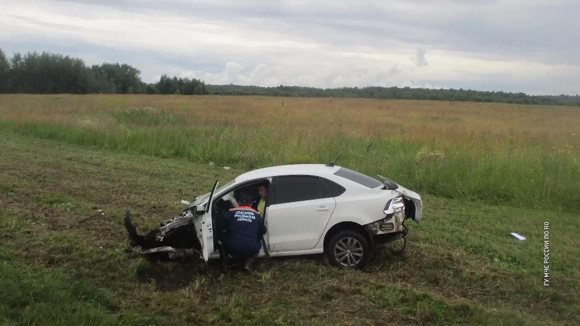 В Переславле две машины вылетели с дороги