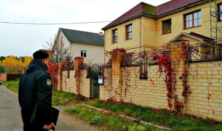 Ярославна взяла в долг у знакомого несколько миллионов и лишилась особняка