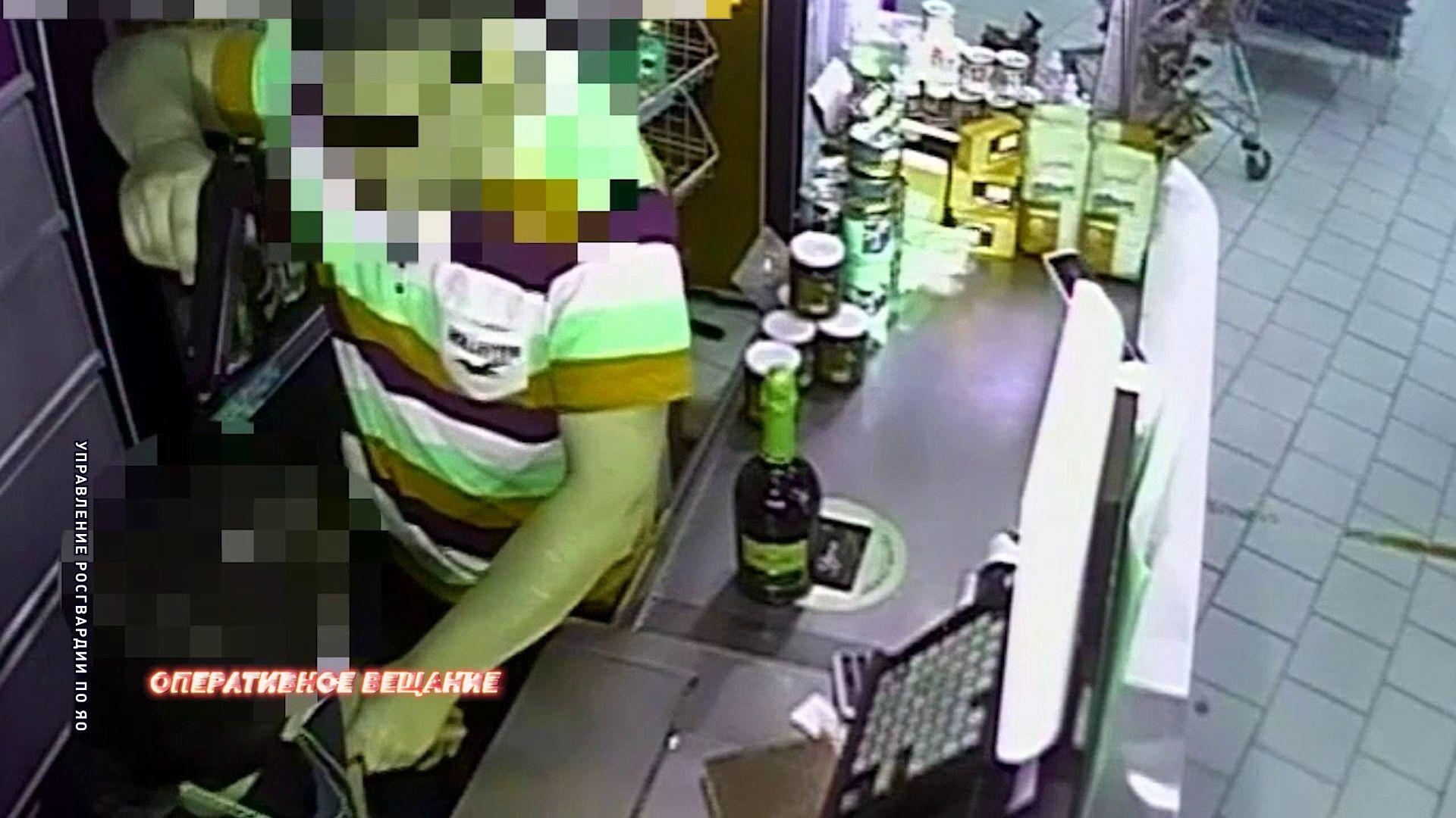 В Гаврилов-Яме молодой человек приставил пистолет к голове продавца