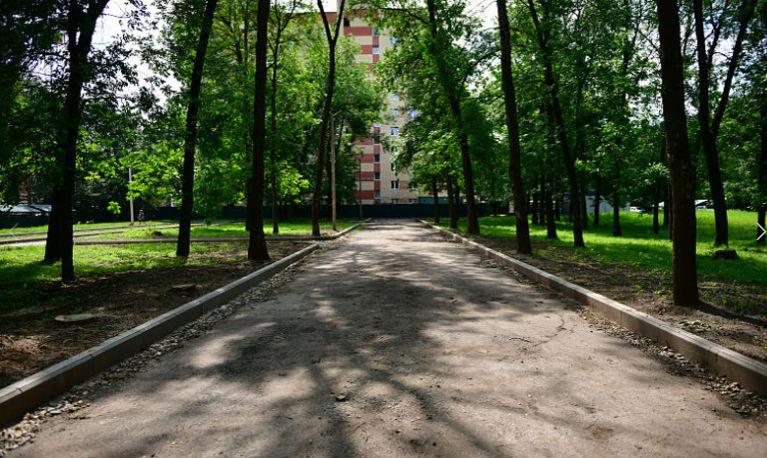 Благоустройство сквера на Жукова в Ярославле подходит к концу