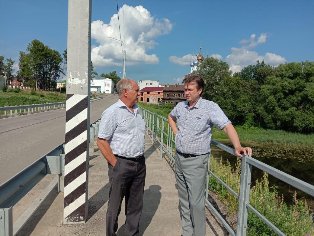 В Некрасовском состоялась встреча заказчика и подрядчика моста через Солоницу