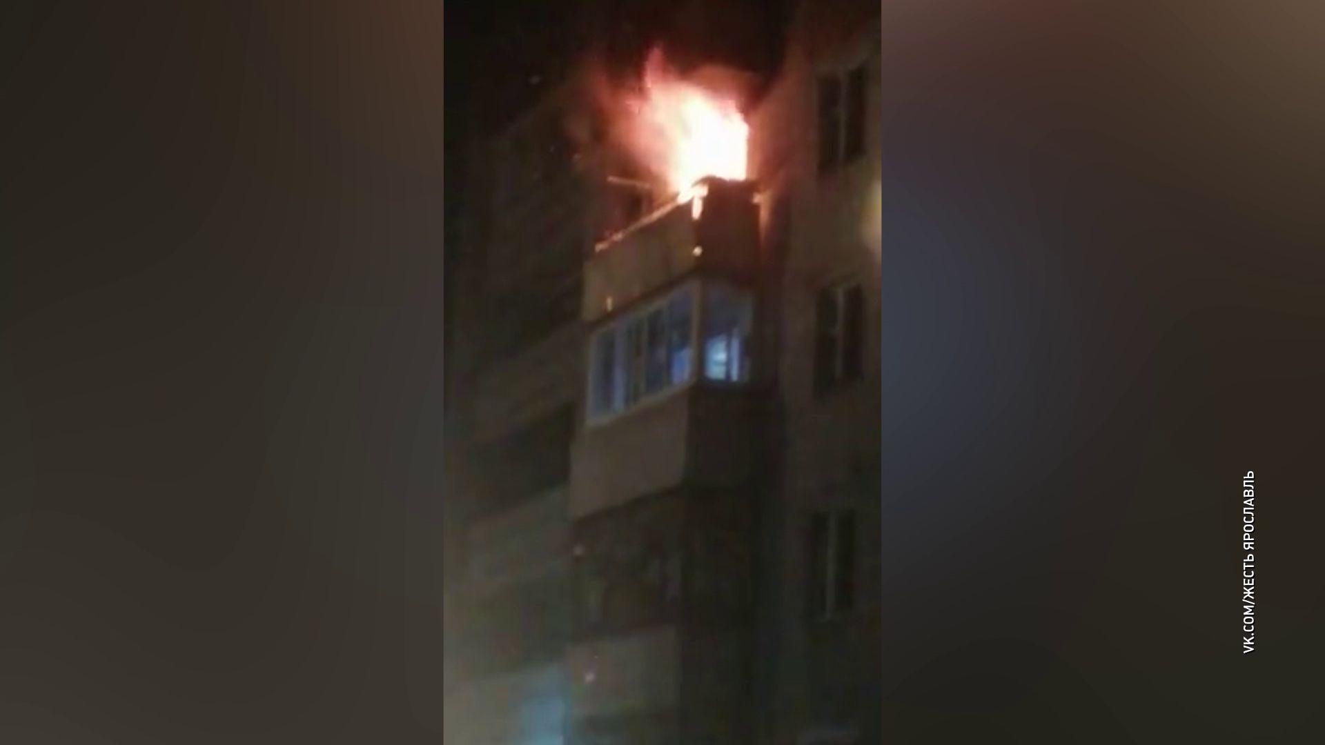 На Фрунзе в многоэтажке сгорела квартира