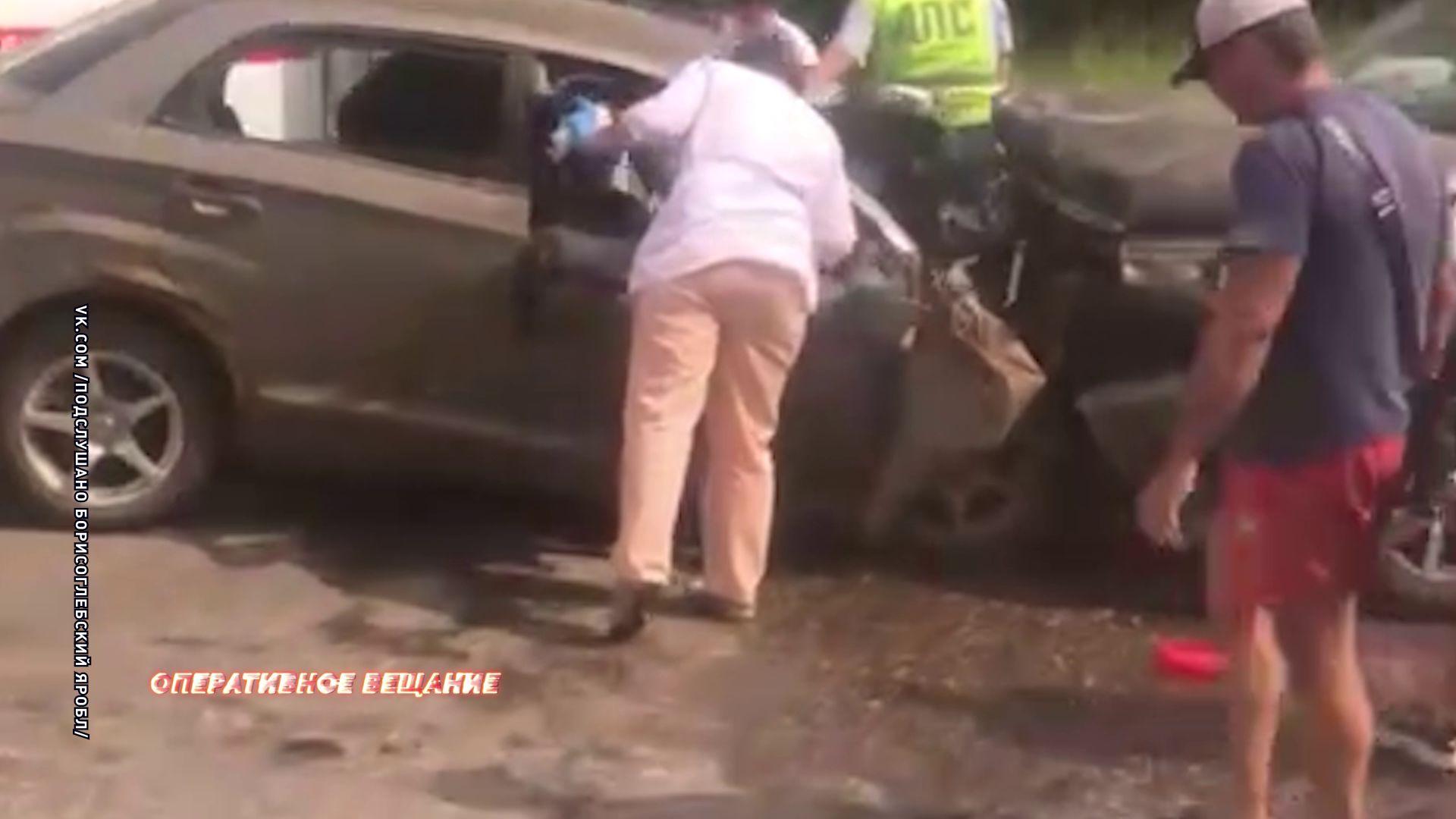 На трассе Углич – Ростов произошло ДТП с двумя пострадавшими