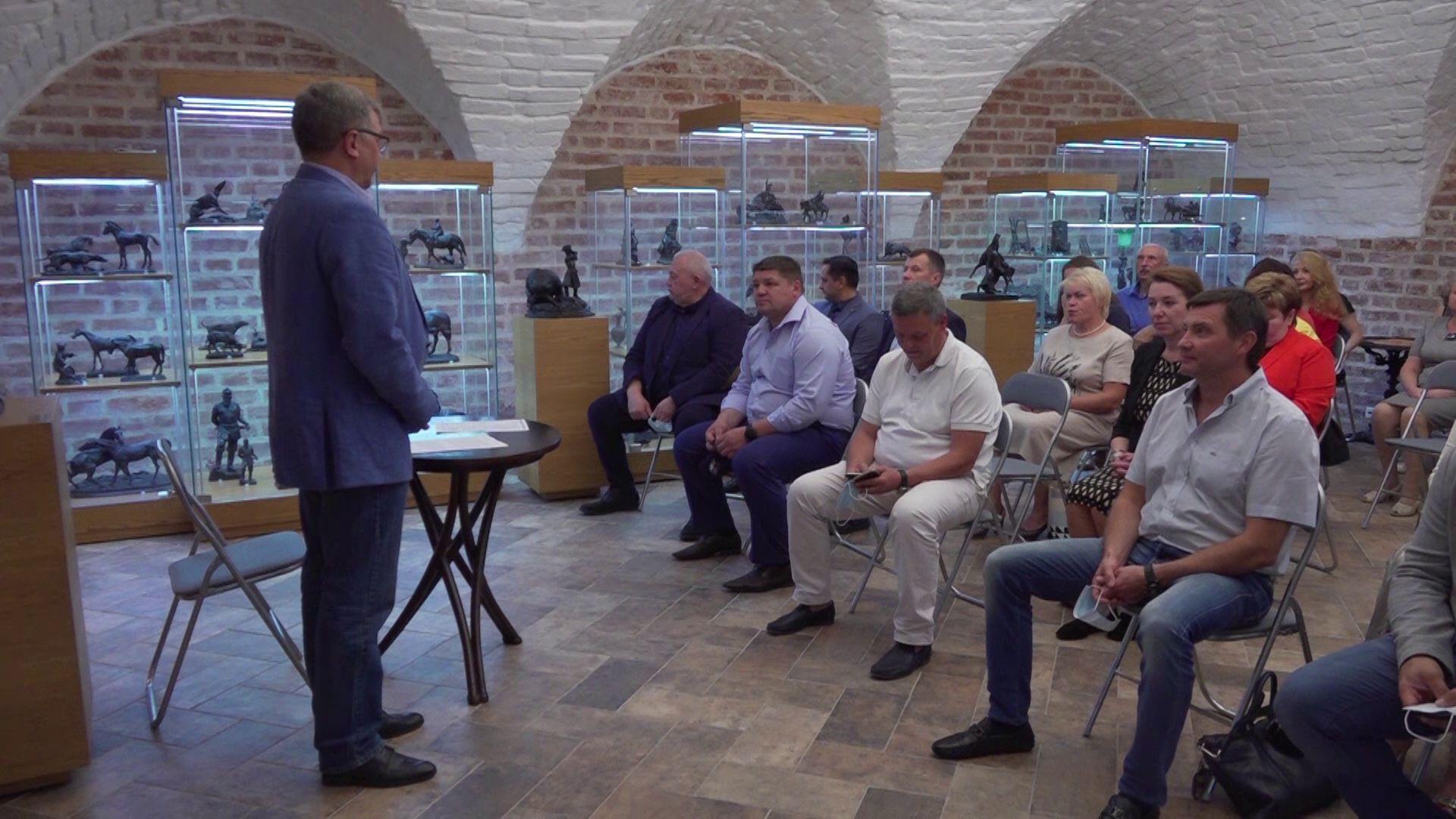 В Ярославле наградили волонтеров, которые помогали нуждающимся во время карантина