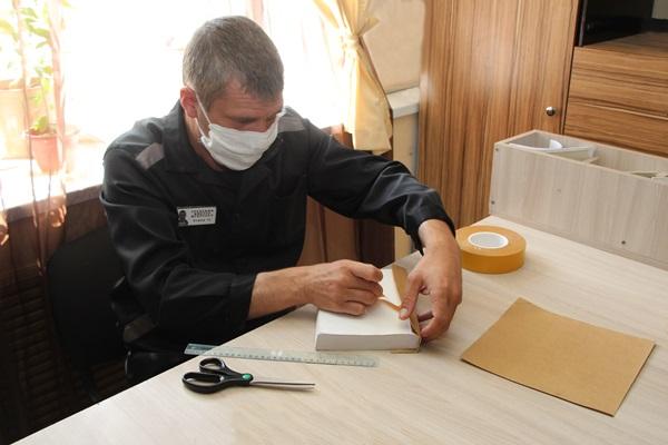 Осужденные двух ярославских колоний занялись реставрацией книг