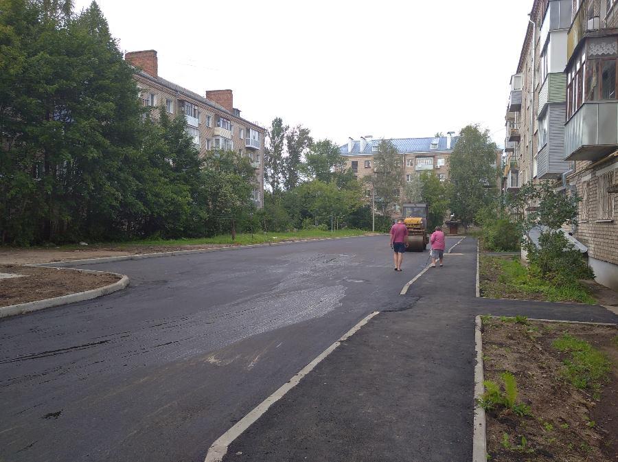 В Рыбинске выполнили половину запланированного объема работ по благоустройству дворов