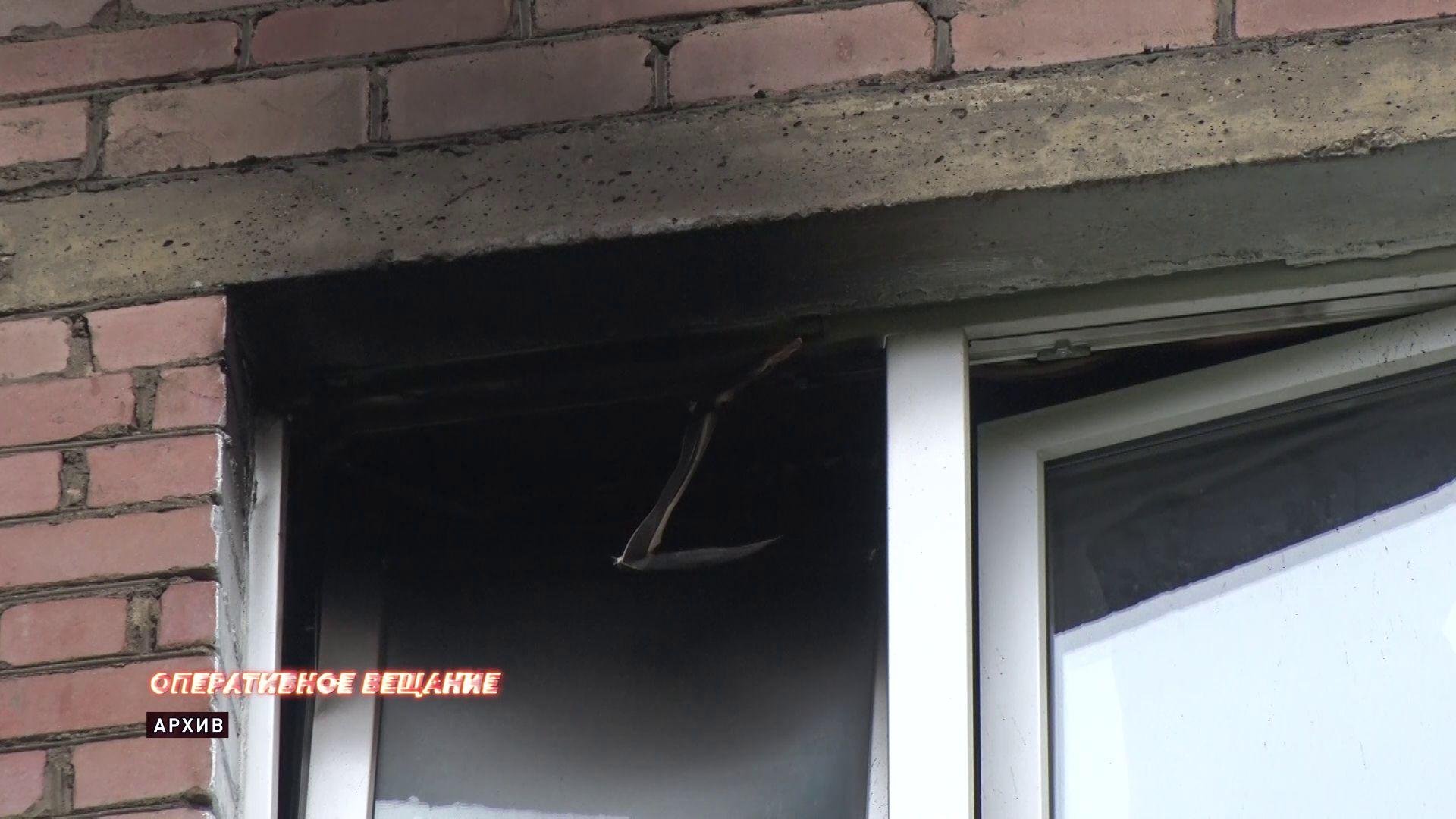 В пожаре на улице Блюхера пострадал 55-летний мужчина