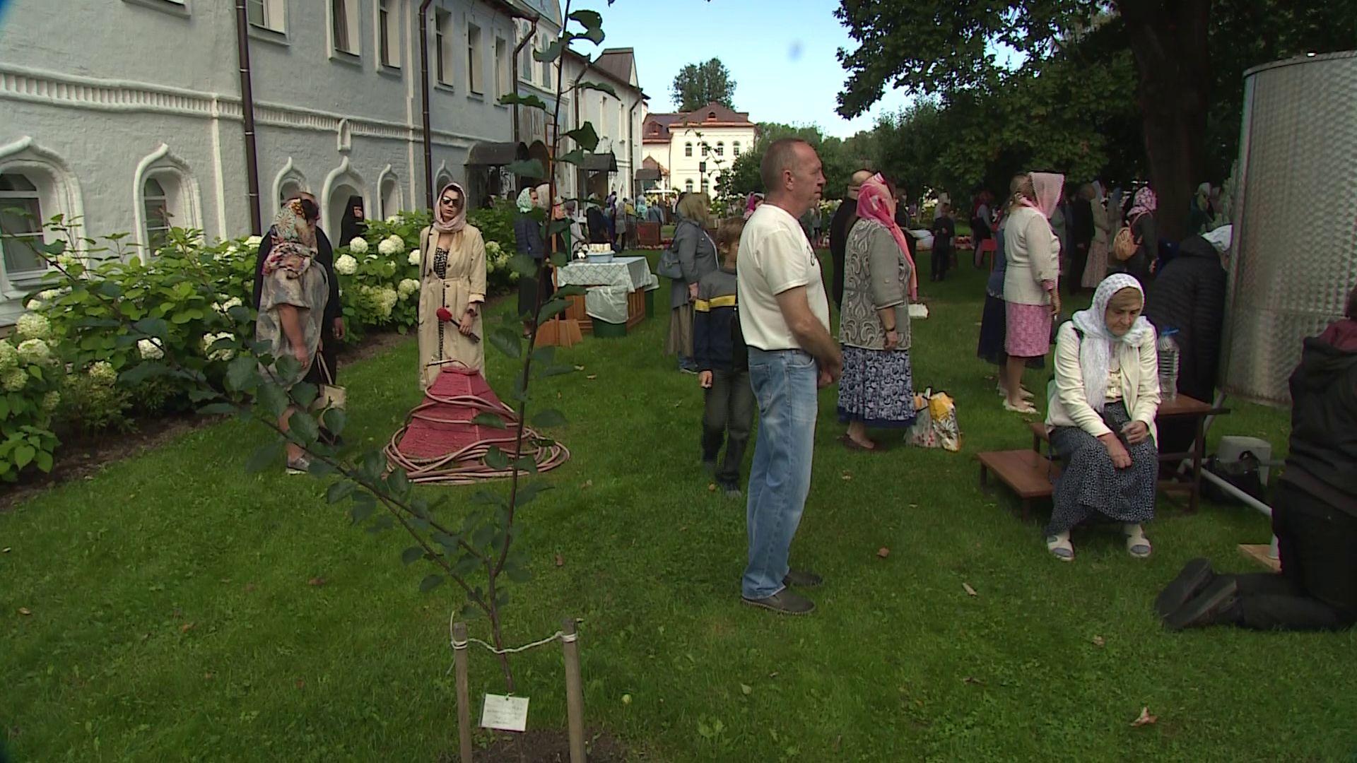 Ярославцы и гости региона отмечают день иконы Толгской Божьей матери