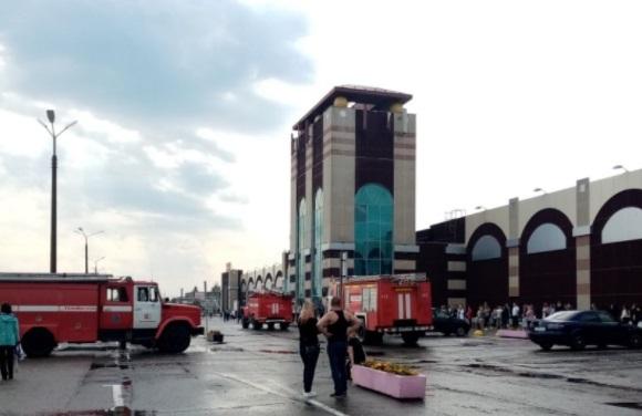 В Ярославле экстренно эвакуировали посетителей и персонал крупного торгового центра