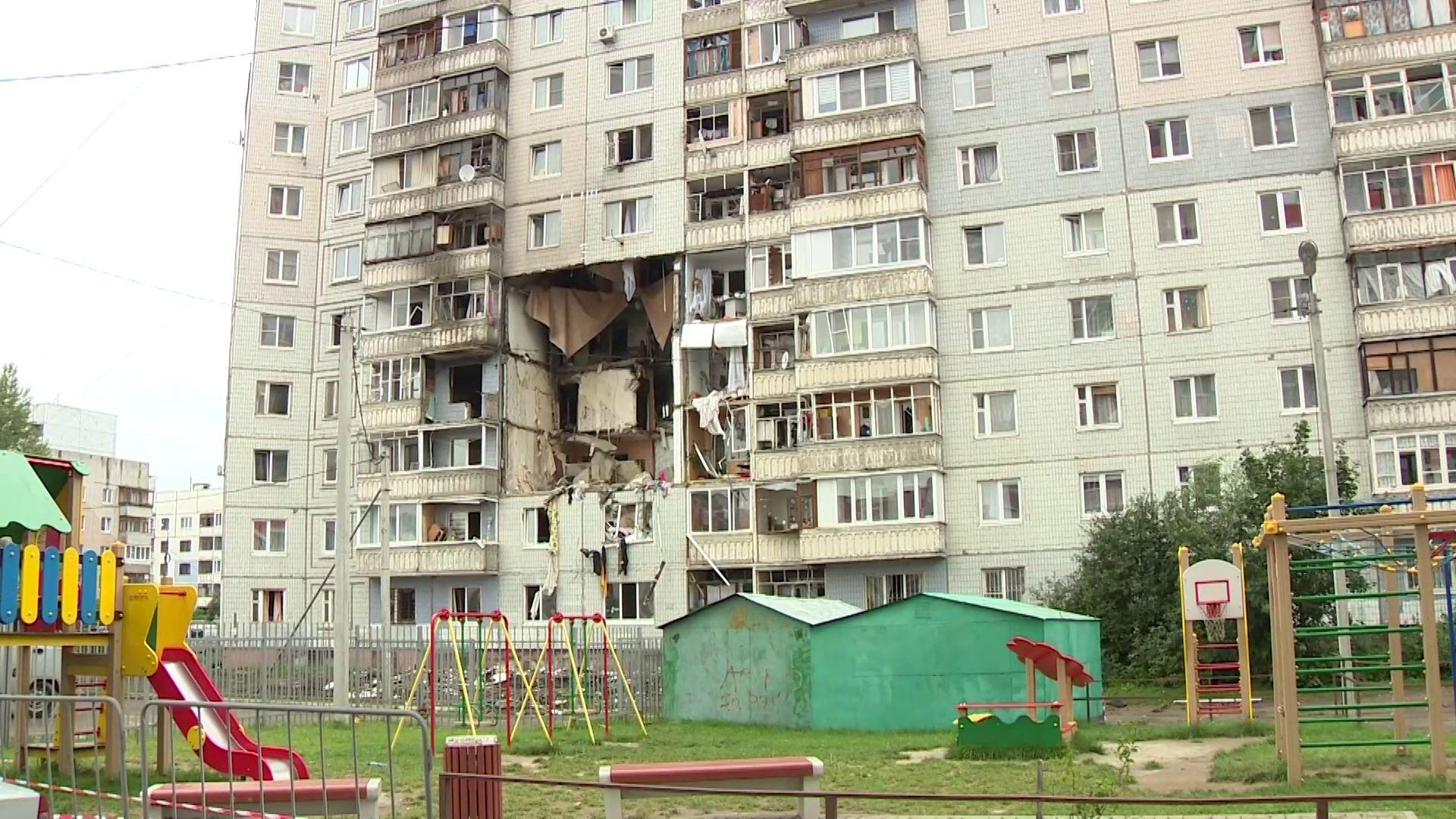 Жители пострадавшего дома на Батова возвращаются в свои квартиры