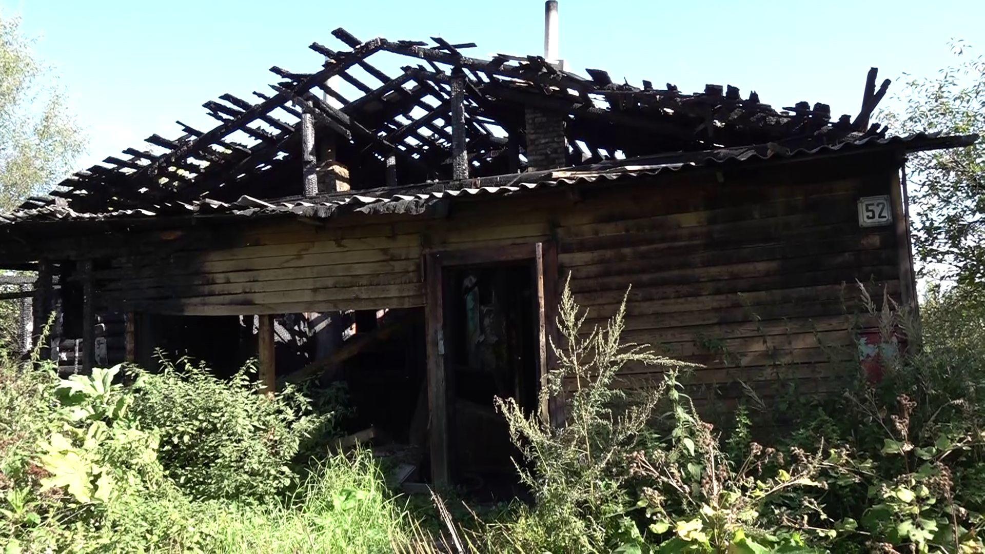 Жителей сгоревшего дома в Пятовском расселят до 2032 года