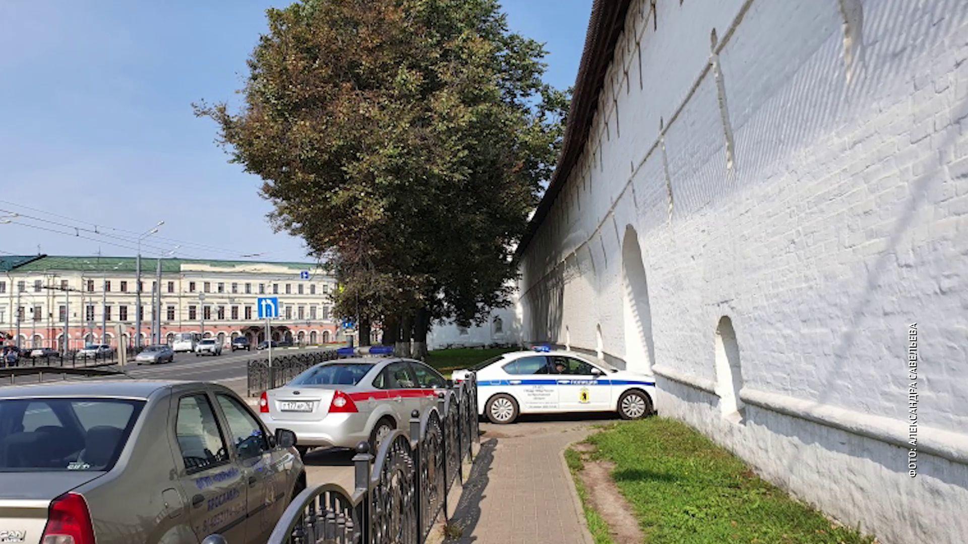 Из Ярославского музея-заповедника вывезли найденный снаряд