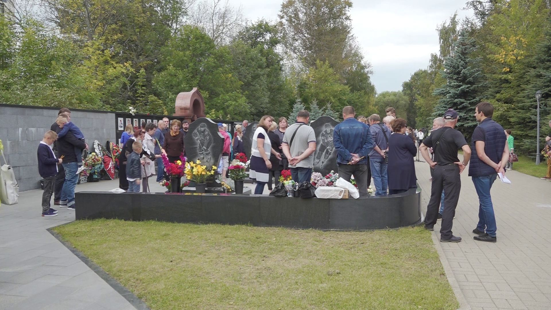 В Ярославле вспоминают игроков погибшего «Локомотива»