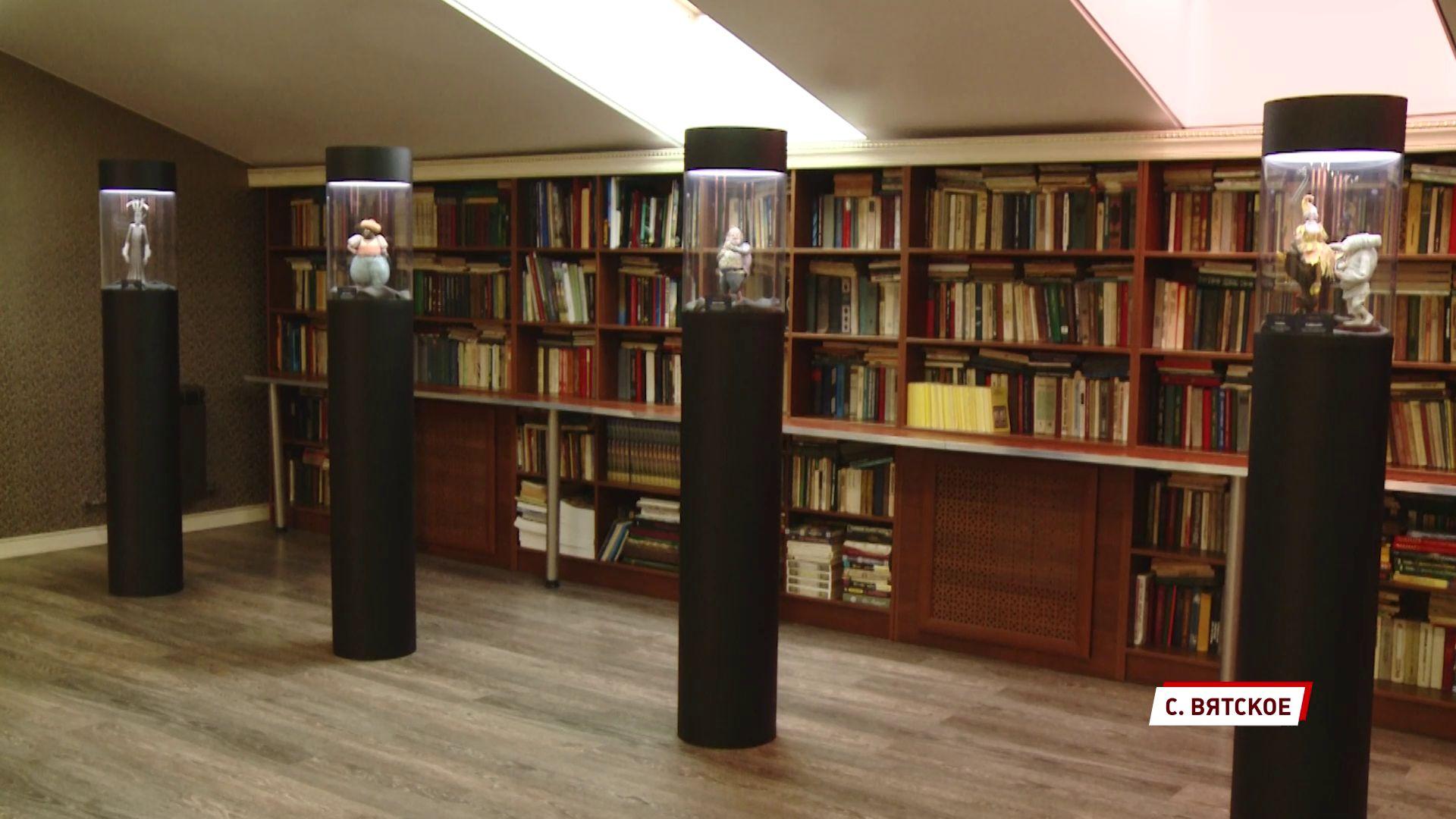 В Вятском представили экспозицию персонажей и декораций мультфильма «Гофманиада»