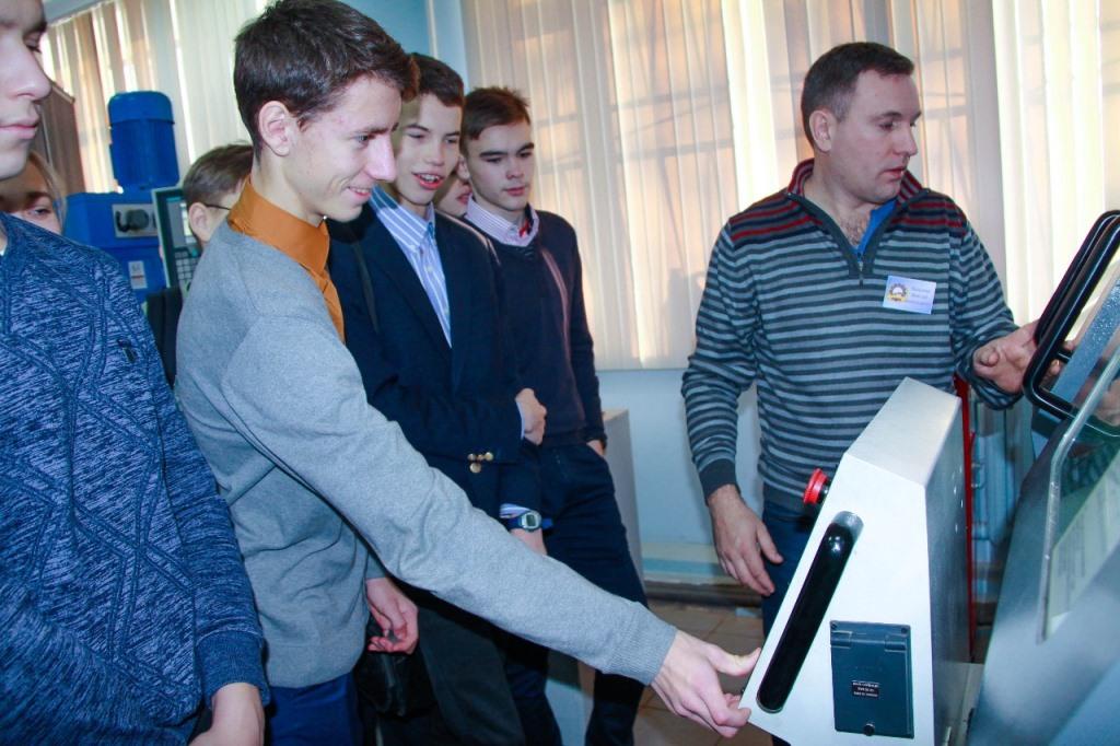 Юные ярославцы сражаются за победу в финале национального чемпионата