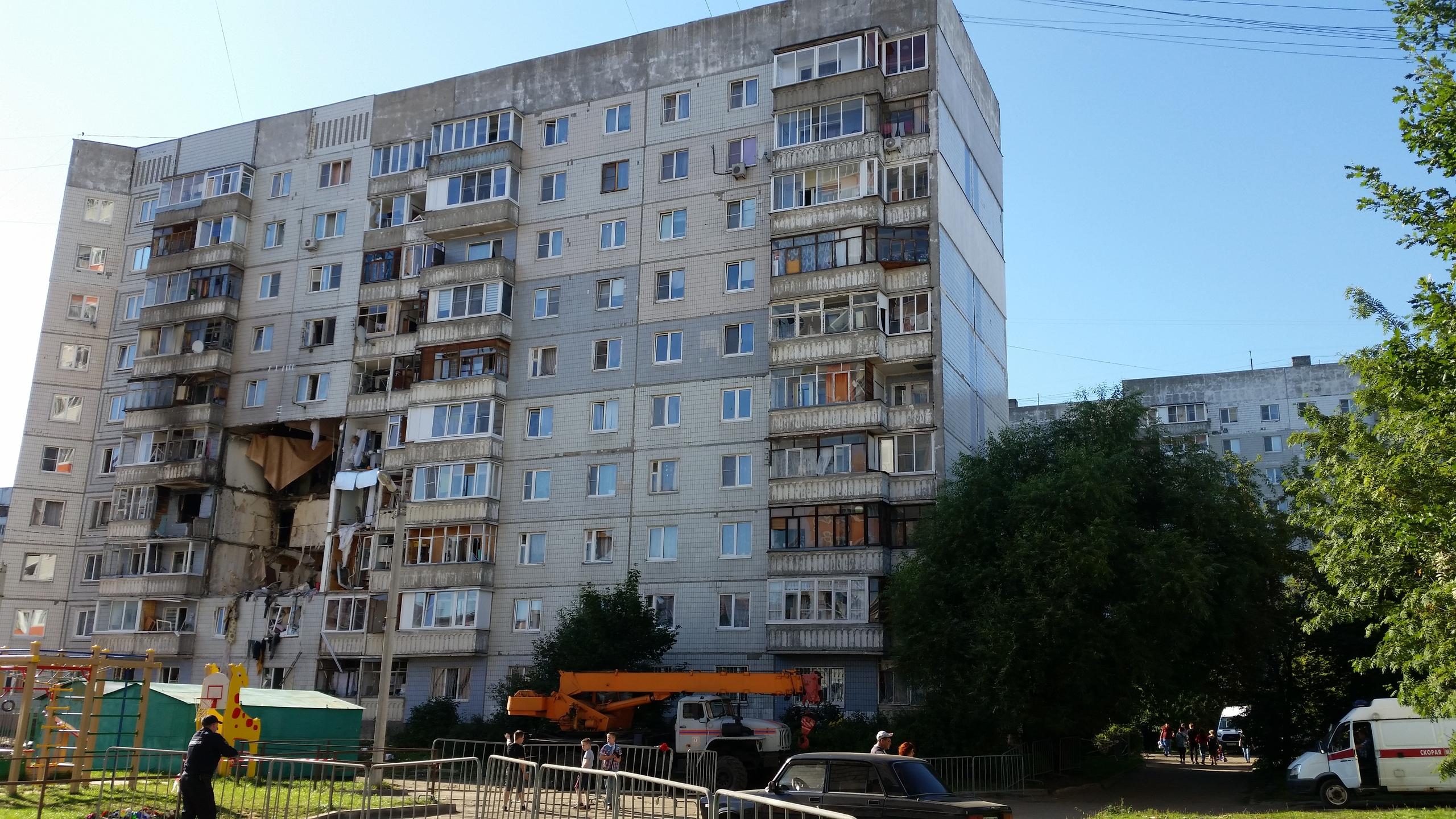 Дмитрий Миронов поручил приступить к аварийно-восстановительным работам в доме, пострадавшем от взрыва газа