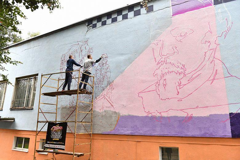 Ко Дню города несколько ярославских зданий распишут художники-граффитисты