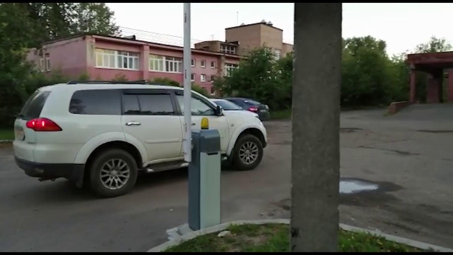 У руководителя ярославской фирмы арестовали машину за долги перед сотрудниками