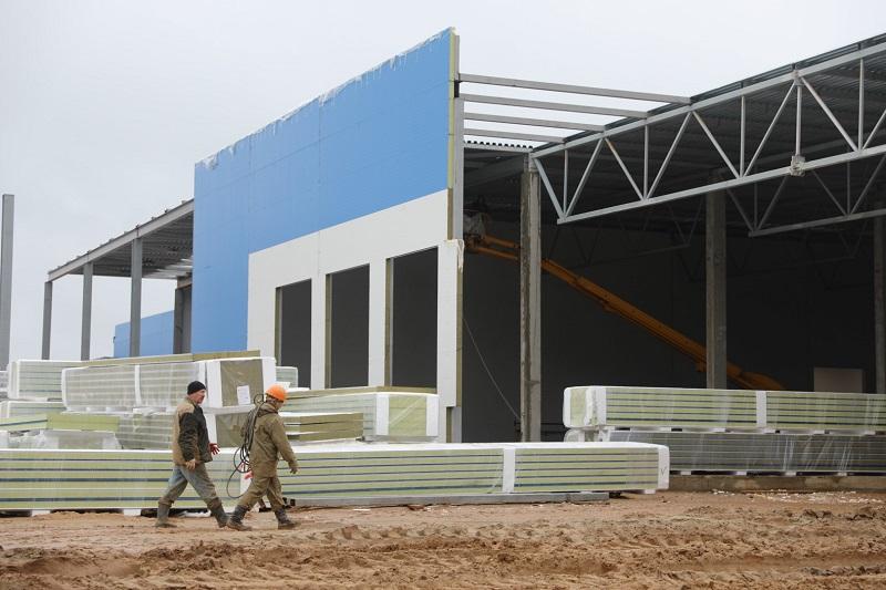 Дмитрий Миронов посетил строящуюся фабрику по производству мороженого в Ярославской области