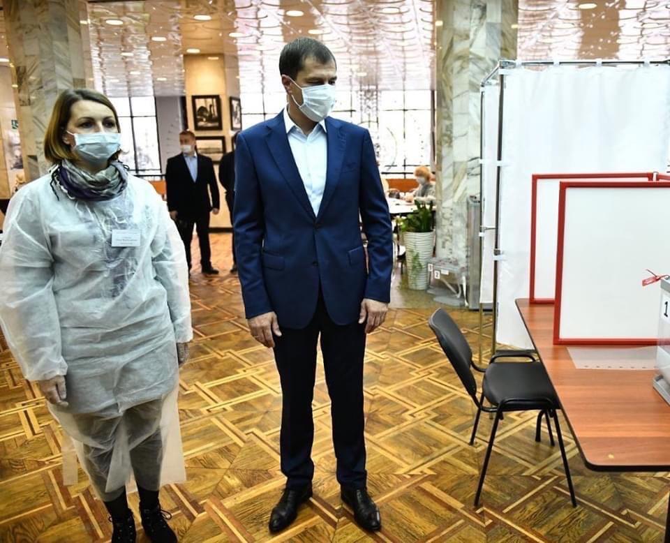 Мэр Ярославля лично проверил работу избирательных участков в городе