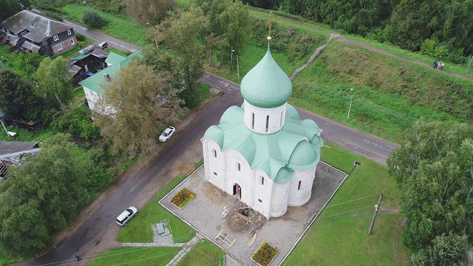В Переславле нашли древние граффити на храме XII века