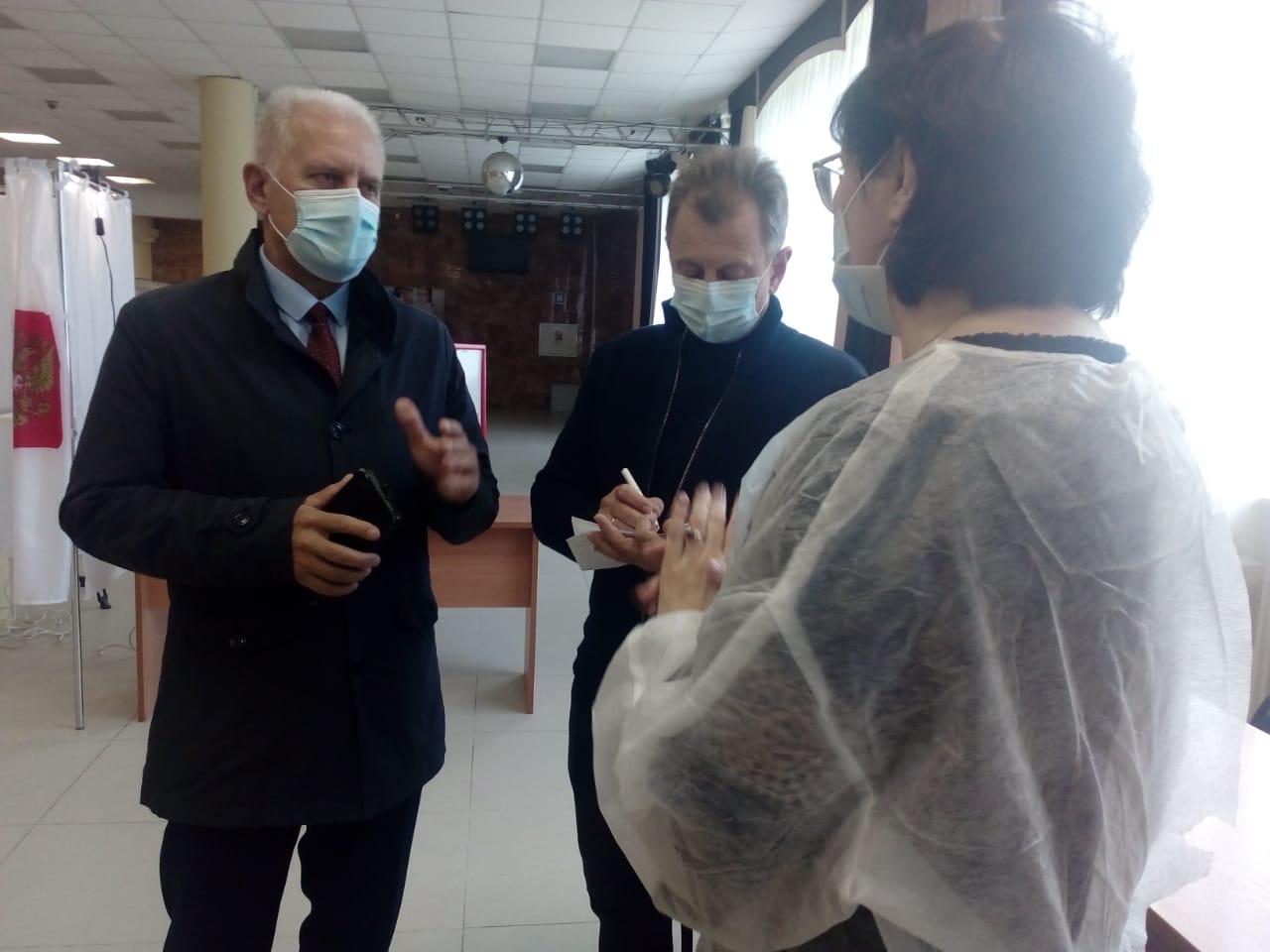 Сергей Бабуркин и Игорь Борисов осмотрели избирательные участки в Ярославле