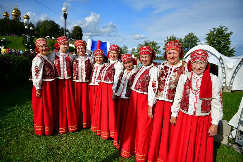 Максимально близко к залпам: салют к 1010-летию Ярославля сняли с воздуха