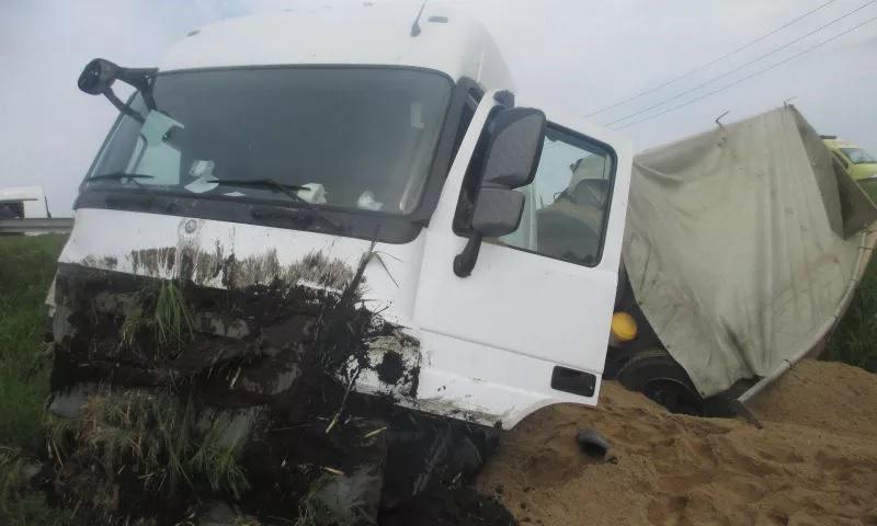 В Ярославской области в ДТП с фурой пострадали три человека